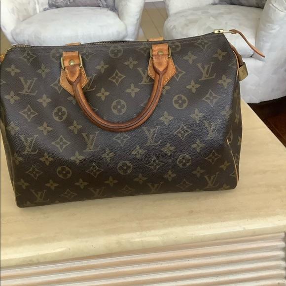 Louis Vuitton Handbags - Louis Vuitton is Authentic purse $ 375